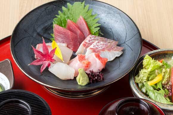 【土曜・休日ランチ】お刺身五種盛り御膳